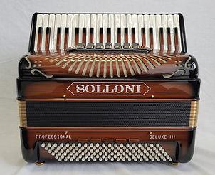 Solloni Deluxe III - front 2.jpg