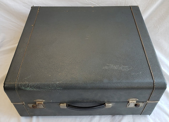 FREE SHIPPING! Pre-Owned Hard Shell Carrying Case #3 (full size)