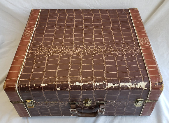 FREE SHIPPING! Pre-Owned Hard Shell Carrying Case #7 (full size)