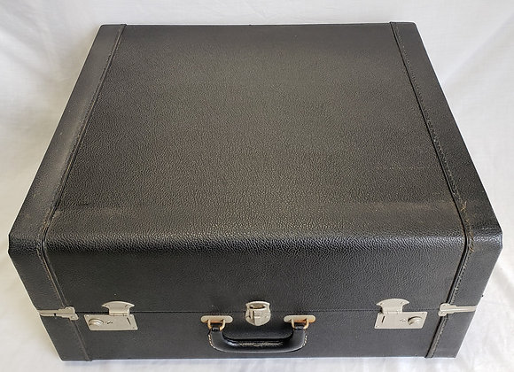 FREE SHIPPING! Pre-Owned Hard Shell Carrying Case #5 (full size)
