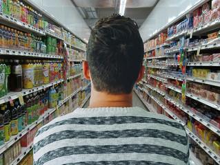 Porque os consumidores compram o que compram nos supermercados (e como podem deixar de comprar)