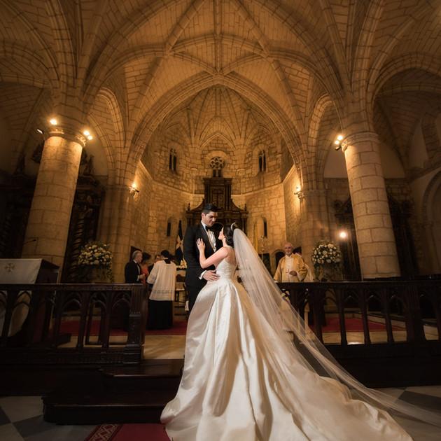 wedding-couple-church-1