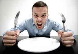 Deja de aguantar el hambre: 5 Pasos para sentirnos bien durante el día