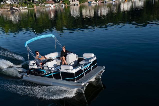 Gillgetter 7515 Cruise Deluxe in Black Caribbean Blue & Gray