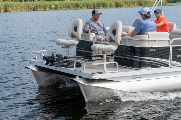 Sport Cruise Front Fishing Seats with Optional Trolling Motor