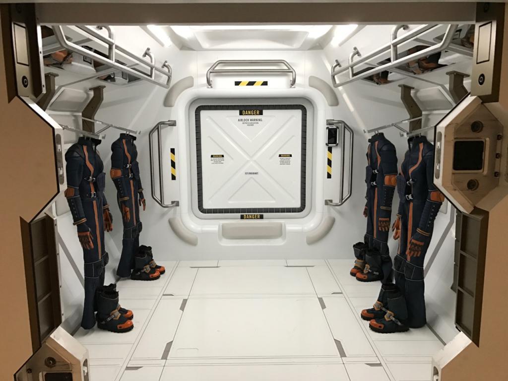 Jupiter Suit Room