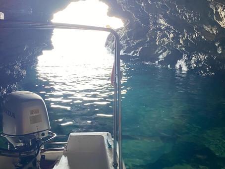 Παραθαλάσσιες σπηλιές στη Σκοπελο//seaside skopelos caves