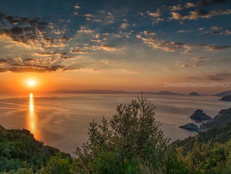 Αυγή στον Αι Γιάννη στο Καστρί / dawn at Saint John church up on the clif of kastri-mama Mia cliff