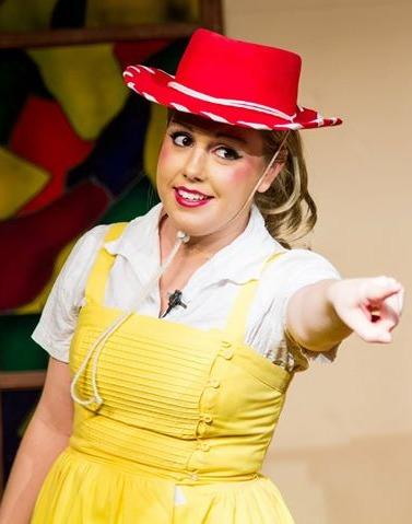 """Chelsie sings """"Christian Cowboy"""""""