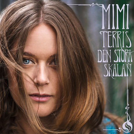 Svensk jazzsångerska Mimi Terris med mikrofon