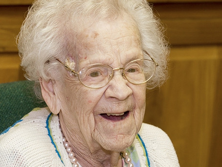 105-year-old alumna expresses love for teaching with Dean of Teachers College