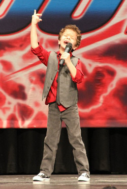 Gaten at competition