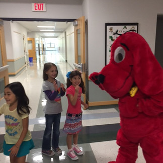 Clifford Making Friends at the Book FairClifford Making Friends at the Book Fair