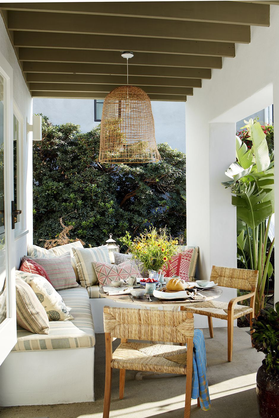 Outdoor room with cushions
