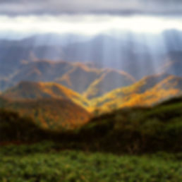 sunlight-from-above-mountain-landscape