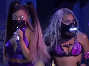 "Lady Gaga ""feat"" Ariana Grande: la performance au MTV Music Awards"