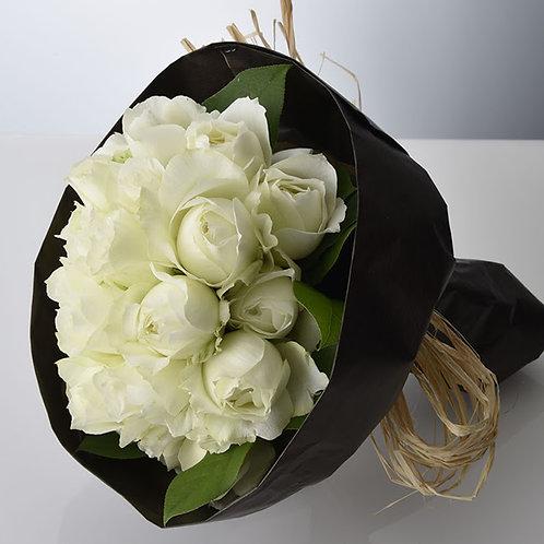 白バラだけのスタイリッシュプロポーズブーケ