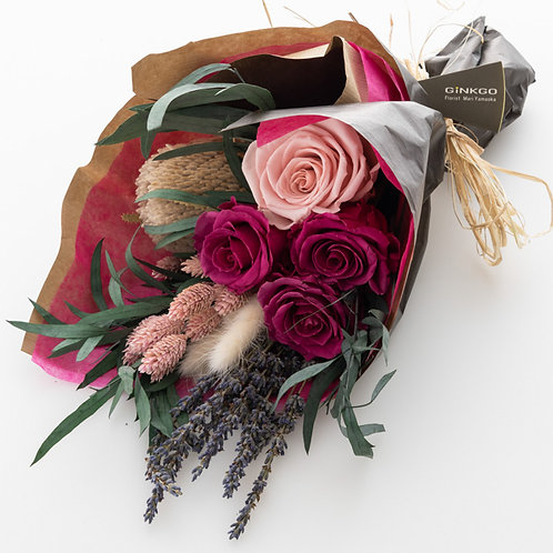 母の日スペシャル。ほんのり香るバラ入りドライフラワーブーケ(Sサイズ)