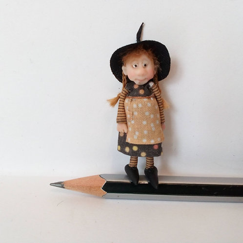 48th Scale Witch in Spotted Dress