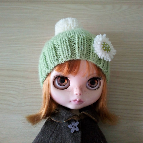 Blythe Light Green Pull on Bobble Hat