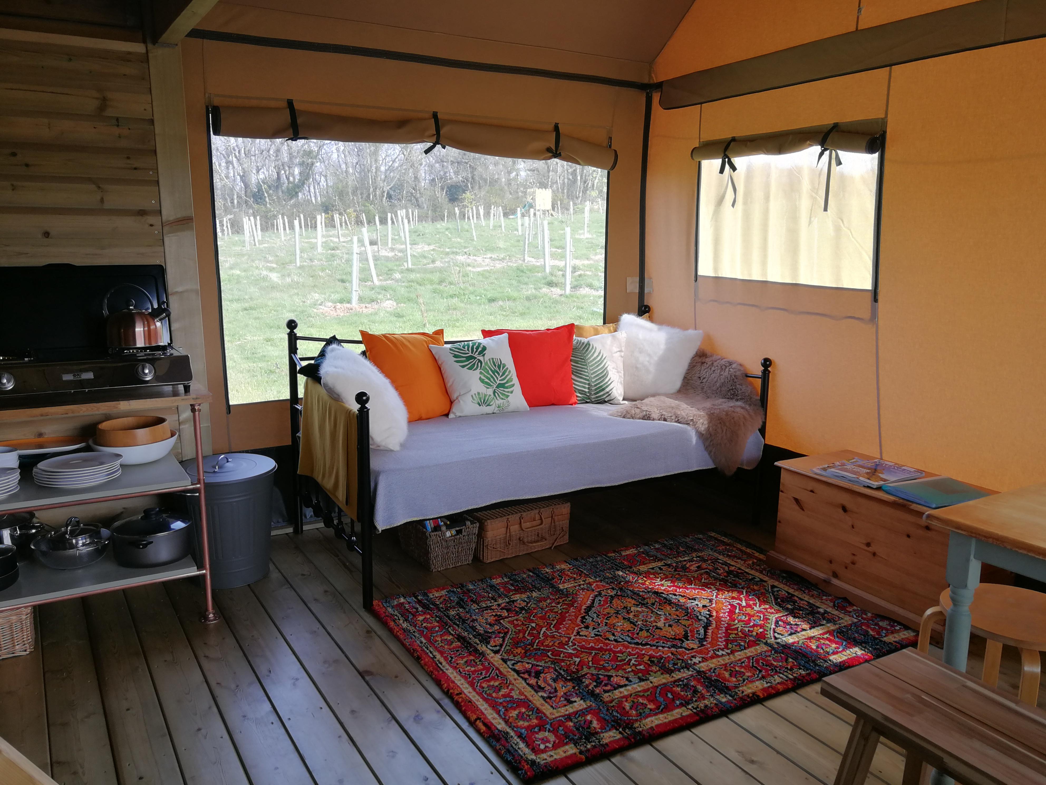Indoor lounge in Oak