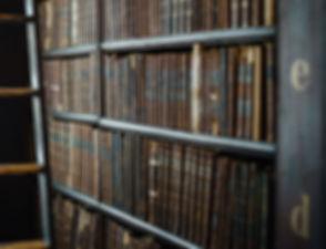 Livros encadernados de couro