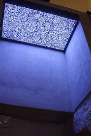 2-Lightbox3.jpg