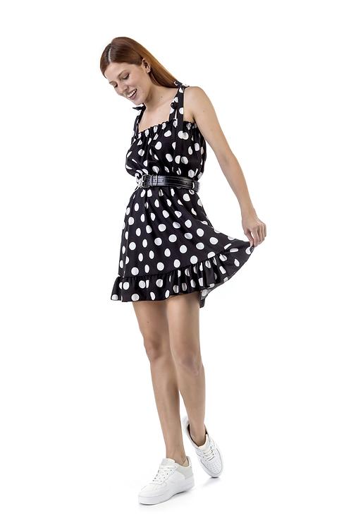 Μίνι πουά φόρεμα με ζώνη