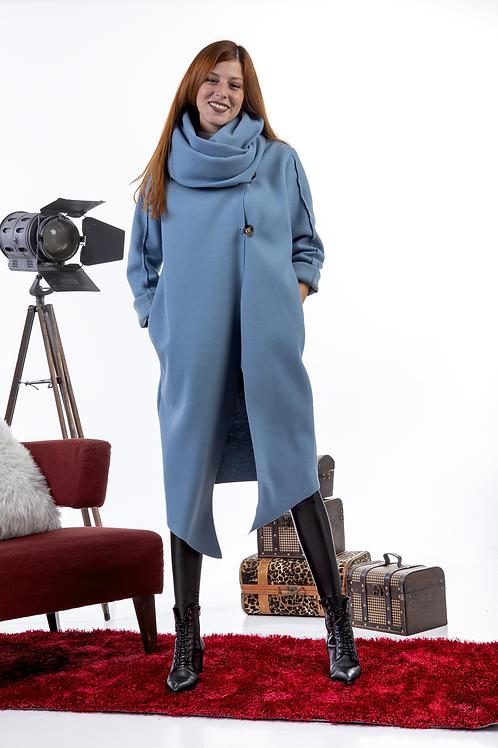 Μακρύ παλτό με ιδιαίτερο γιακά