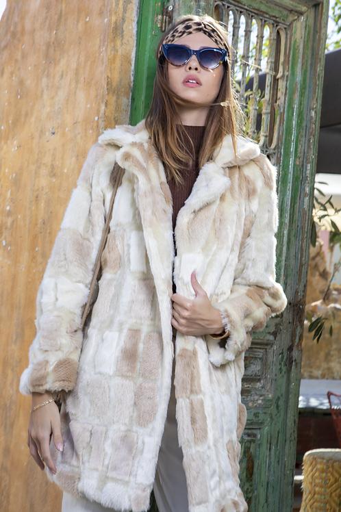 Μπεζ γούνινο παλτό