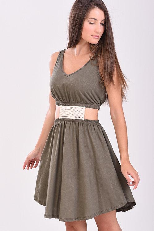 Φόρεμα με δαντέλα στην μέση