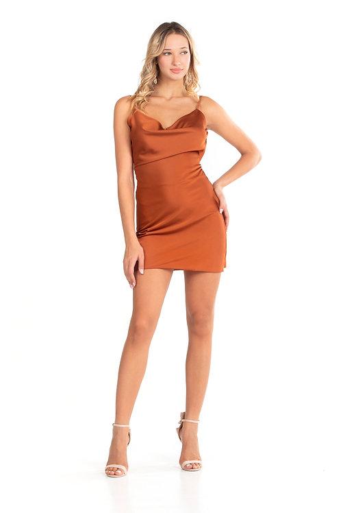 Μίνι εξώπλατο φόρεμα τύπου σατέν
