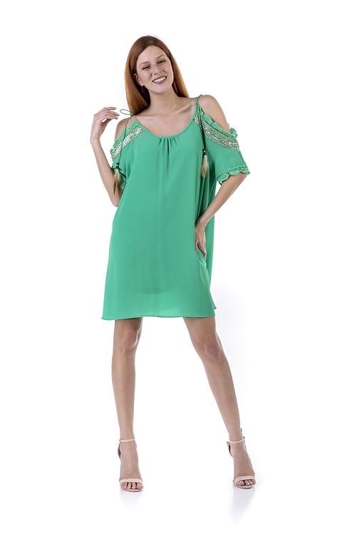 Φαρδύ φόρεμα με τιραντάκι κι ακάλυπτους ώμους