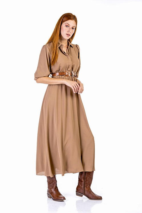 Μονόχρωμο φόρεμα με φουσκωτούς ώμους