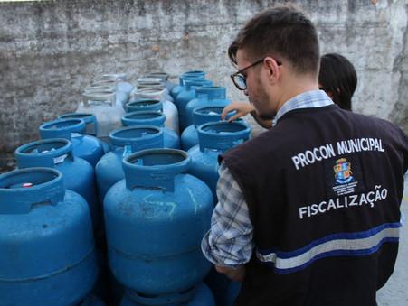 Procon Aracaju divulga preço do gás de cozinha