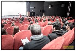 Laetitia Dosch face à un public de collégiens et de lycéens