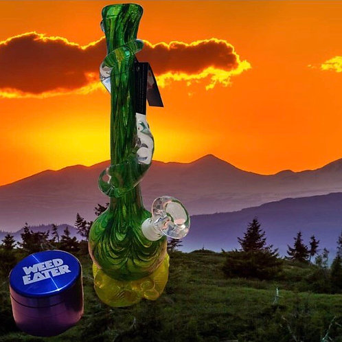 Noble Glass Waterpipe with Weedeater Grinder