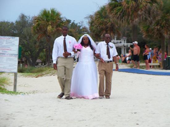 beach elopement on hilton head coligny beach