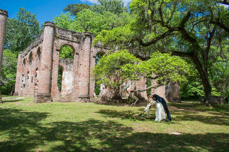 Romantic elopement at historic location in beaufort county