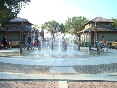 fountain at coligny beach hilton head sc