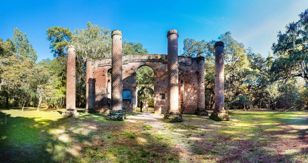 elopement ceremony at old sheldon church ruins