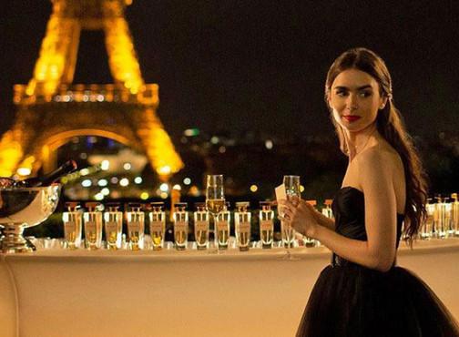 Sinta-se como a Emily em uma das casas da Empire em Paris!