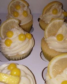 Lemon cupcakes with lemon curd filling ?