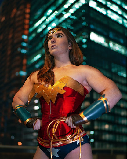 woman-wearing-wonder-woman-costume-31802