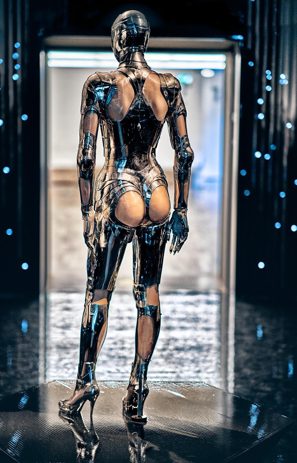 Thierry Mugler Cyborg Design (Fem-Bot)