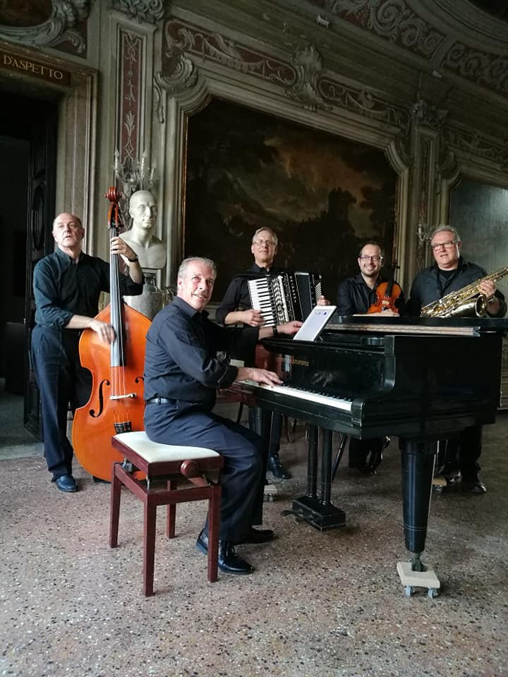 "Ensamble  ""Caffè Concerto Venezia"""
