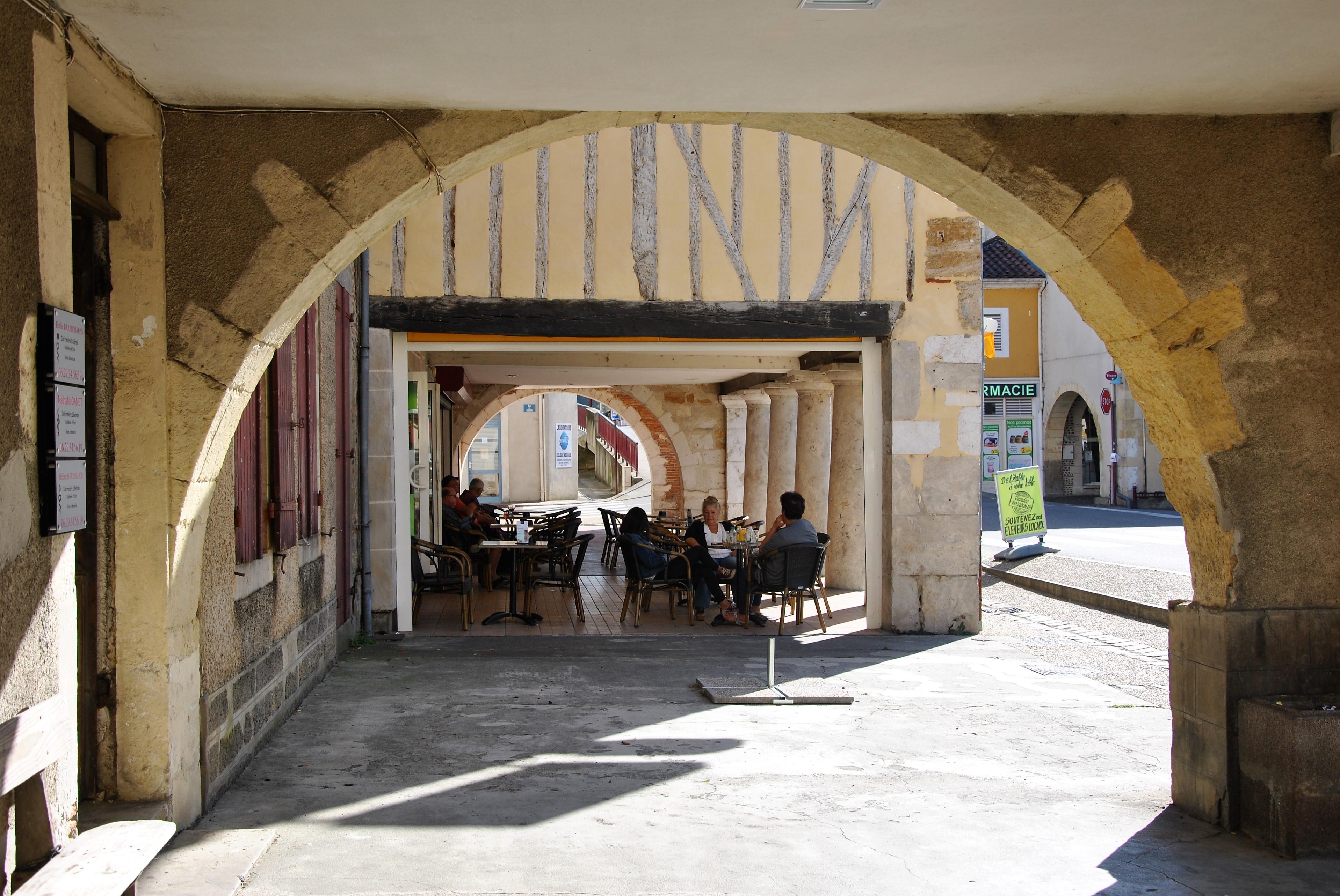 Arcades Place des Tilleuls