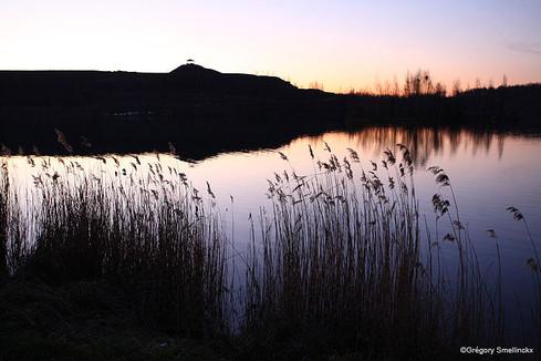 Le lac au crépuscule