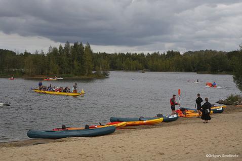 Canoës sur le lac des Argales