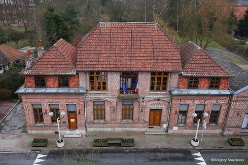 L'ancienne mairie vue du haut du pigeonni